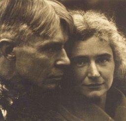 carl_sanduerg_edward-steichen-portrait-of-carl-sandburg-and-his-wife1