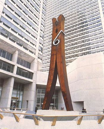 oldenburg-clothespin-1351972835_b